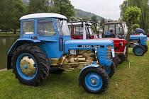 Setkání starých traktorů v Brnířově