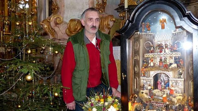 JAN ROSENDORFSKÝ. Kastelána horšovskotýnského zámku zavádí na Štědrý den povinnosti do kostela Všech svatých v Horšově k betlému s čerty.