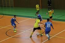 RSC Pronic zanic Domažlice (v modrém) - FC Dynamo Horšovský Týn 7:6 (3:2).