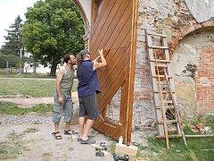 Nová vrata zámku.