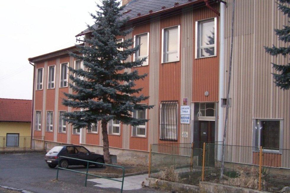 Škola a školka v Prapořištích. Foto: Škola Prapořiště