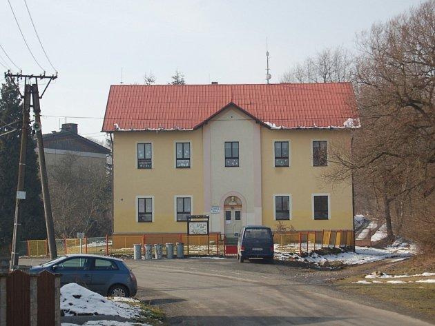 Bývalá škola v Mnichově na Poběžovicku.