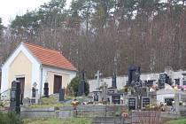 Hřbitov v Kolovči.