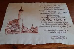 Robertu Gilbertovi bylo 5. května 2016 věnováno čestné občanství.