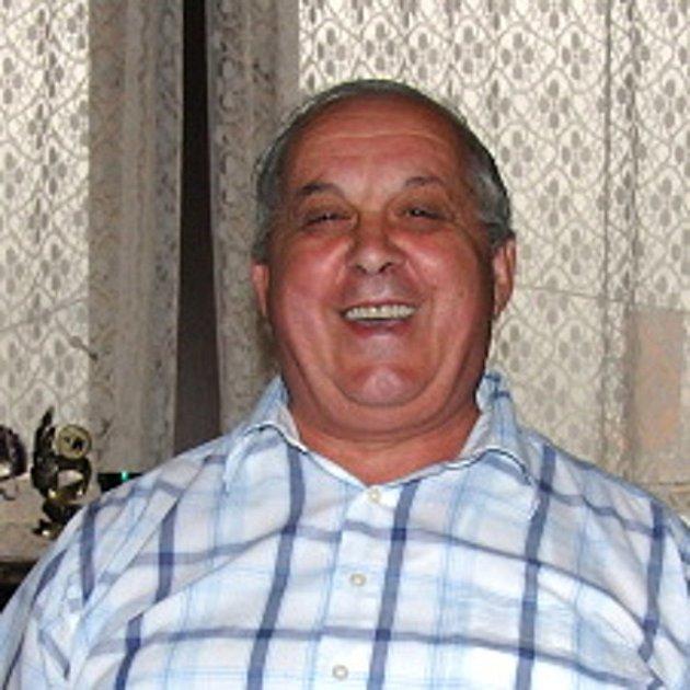 JAROSLAV HÁNA, ředitel a předseda představenstva Meclovské zemědělské, a. s., zasvětil život rodnému Meclovu a zemědělství. Jeho schopnosti dokládá ocenění Manažer roku 2011.