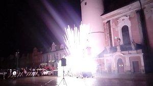 Z novoročního ohňostroje v Domažlicích.