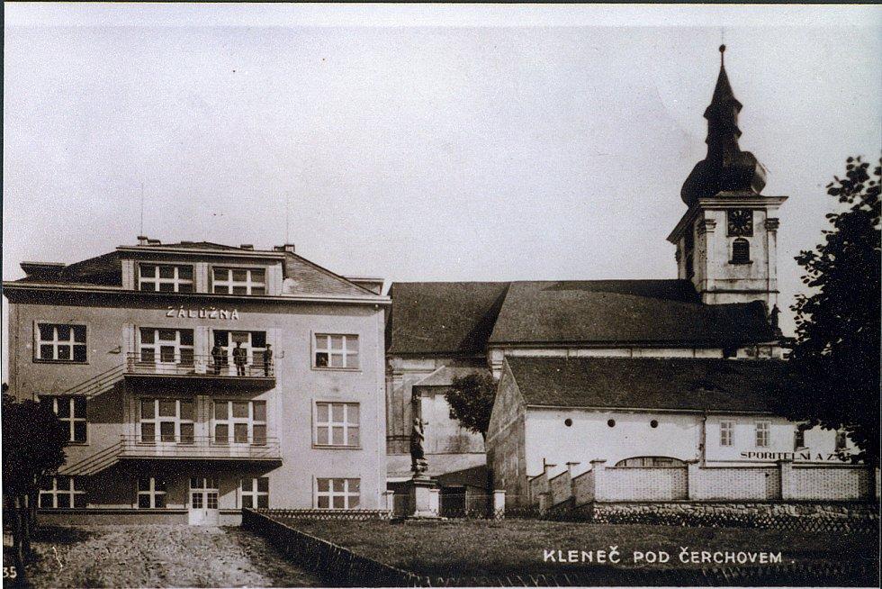 Současná  budova úřadu, dříve záložna.