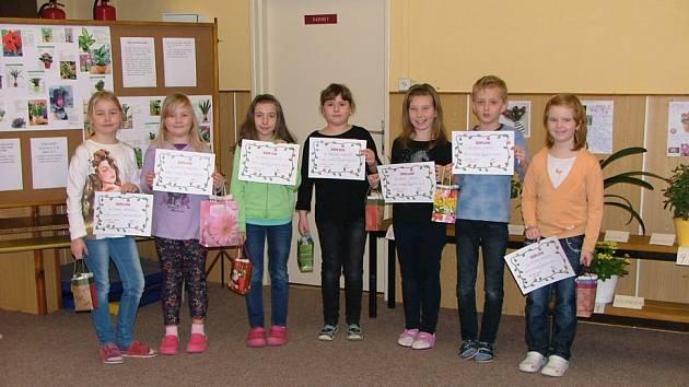 Děti ze ZŠ Koloveč se zapojily do přírodovědné soutěže.