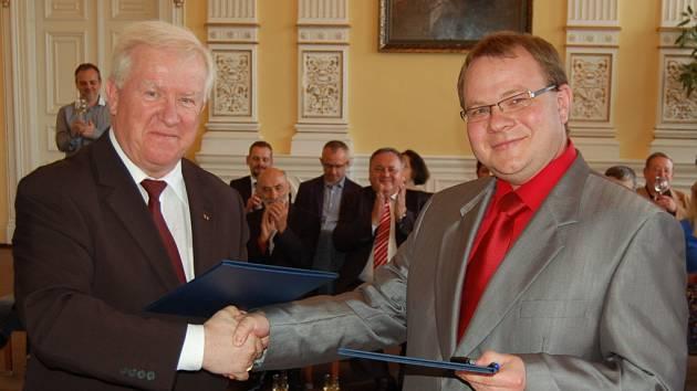 Z podpisu partnerské smlouvy mezi ZUŠ JJ Domažlice a Landkreismusikschule Cham (Furth i.W.)
