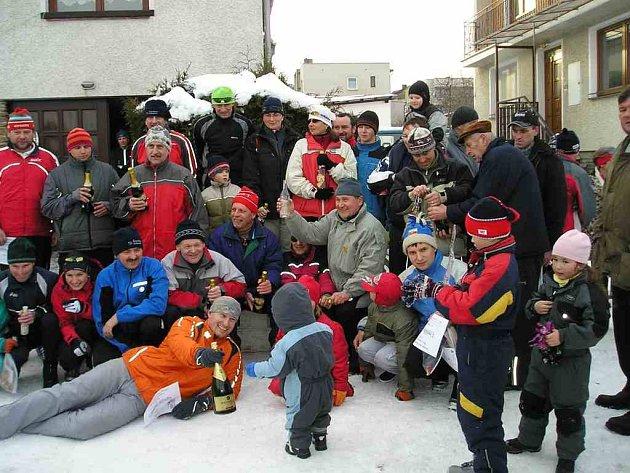 Lyžařský klub Tatran Chodov funguje samostatně pět let. Lyžování má v Chodově téměř šedesátiletou tradici. Foto: archiv LK Tatran Chodov