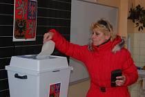 TŘÍDY V ZŠ MSGRE B. STAŠKA dlouho sloužily jako volební místnost pro dva okrsky. Od eurovoleb přibyl další – pro obyvatele Kavkazu.