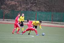 Benfice (ve žlutém) proti Mrákovu vyšla odveta za loňské pohárové vyřazení.