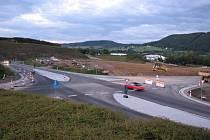 Na výstavbě silnic souvisejících se stavbu obchvatu Furthu nastal další posun.