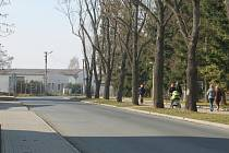 Na nové sídliště na okraji Domažlic prozatím městská doprava nezajíždí.