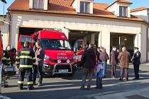 Domažličtí dobrovolní hasiči nový vůz slavnostně představili 7. března.