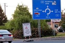Již v Draženově najdete upozornění na změnu dopravního režimu v Klenčí.