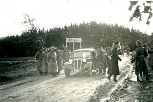 Snímek z 24. 11. 1938 zachycuje zábor na Hadrovci.