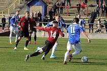 ČFL: Sparta Praha B (v rudém) - Jiskra Domažlice (v bílomodrém) 3:1 (1:1.