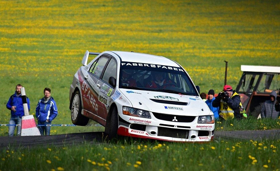 Domažlický Marcel Tuček s Petrem Dufkem se naposledy účastnili Rallye Šumava v roce 2019, vloni se nejela.