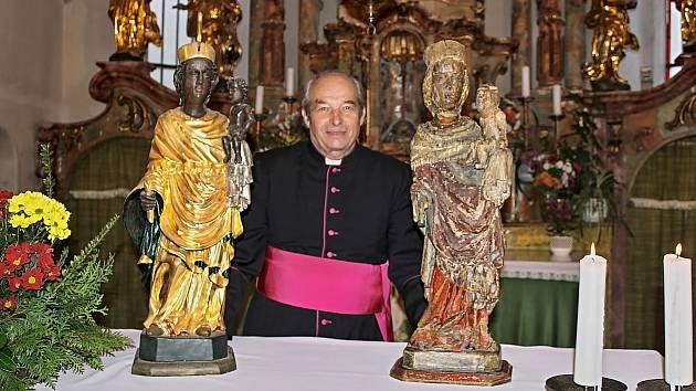 Obě sošky se sešly v loučimském kostele po 600 letech.