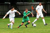 Fotbalový Votrok krajský přebor: TJ Červený Kostelec - FC Olympia Hradec.
