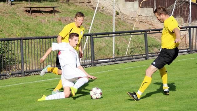 Krajský přebor ve fotbale: TJ Červený Kostelec - FK Vysoká nad Labem.