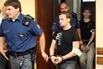 René Tyl, Patrik Garan a Patrik Šoltys před soudem za loupež a neoprávněné držení platební karty.