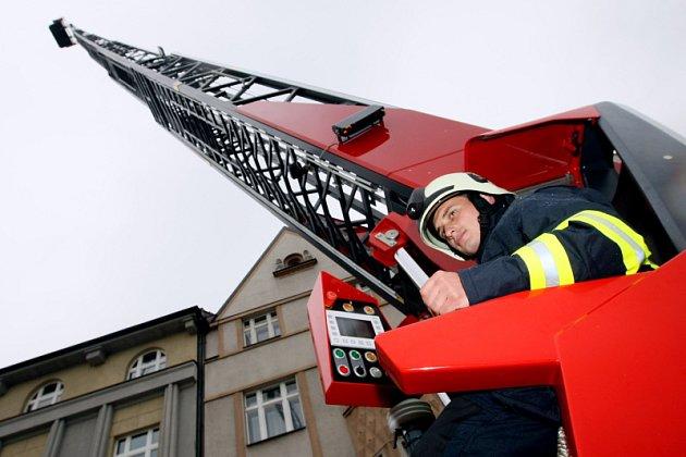 Nové auto hradeckých hasičů.