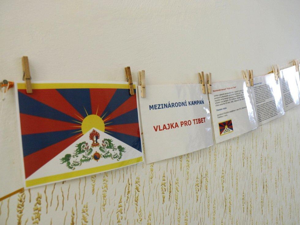 Tibetská vlajka v Černilově.