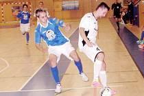 Futsalisté týmu Mados MT Hradec Králové (v bílém) v akci.