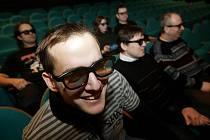 Promítání 3D v kině Centrál.