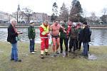 Ledové míle se v Hradci Králové zúčastnily tři plavci. Denisa Haltmarová ze Zábřehu doplavala v čase 38 minut a 20 sekund, Mojmír Václavek z pražského klubu 52 minut a 5 sekund a Petr Friesinger z druhého pražského klubu s časem 54 minut  a 8 sekund.