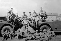 Příslušníci roty chemické ochrany 1. tankového pluku.