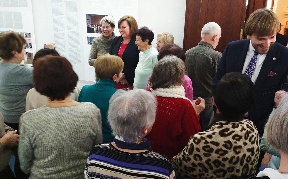 Senioři navštívili Poslaneckou sněmovnu.