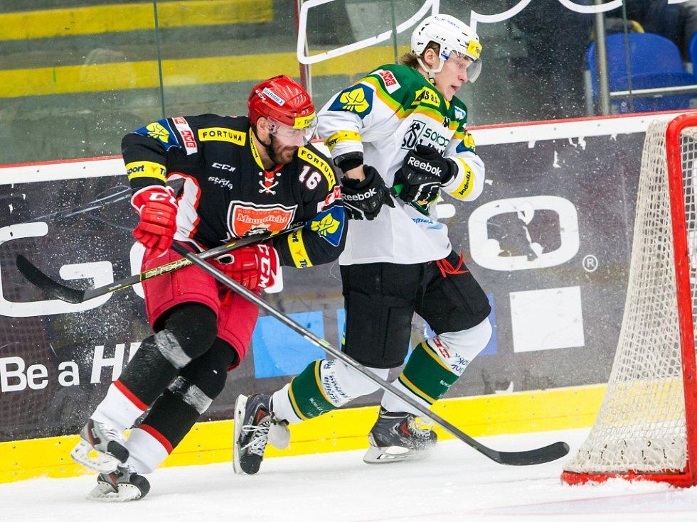 Tipsport extraliga ledního hokeje: Mountfield HK - HC Energie Karlovy Vary.