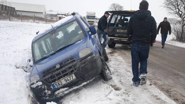 Nehoda na kluzké vozovce, Černilov na Královéhradecku