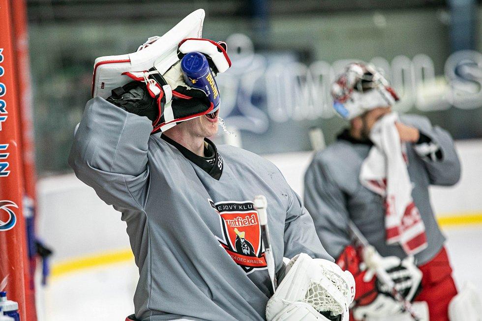 NA LEDĚ. Hokejisté Hradce Králové zahájili poslední fázi přípravy na nový extraligový ročník.