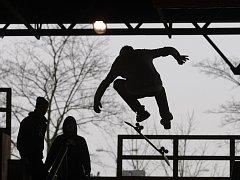 Skatepark pro příznivce adrenalinových sportů v Šimkových sadech v Hradci Králové.