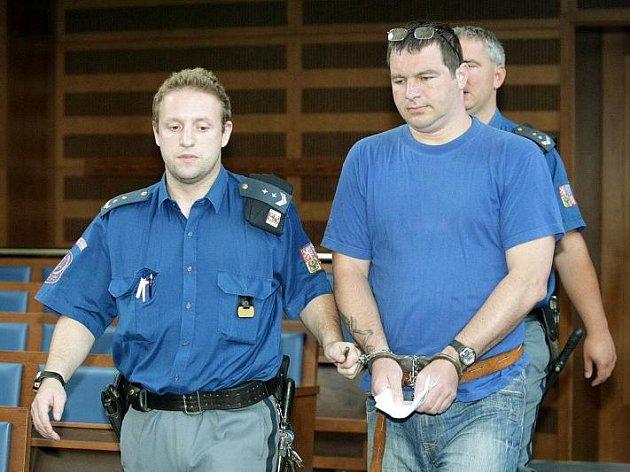 Michal Smíšek byl 7. července 2010 obžalován ze spáchání zločinu nedovolené výroby a jiného nakládání s omamnými a psychotropními látkami a jedy.