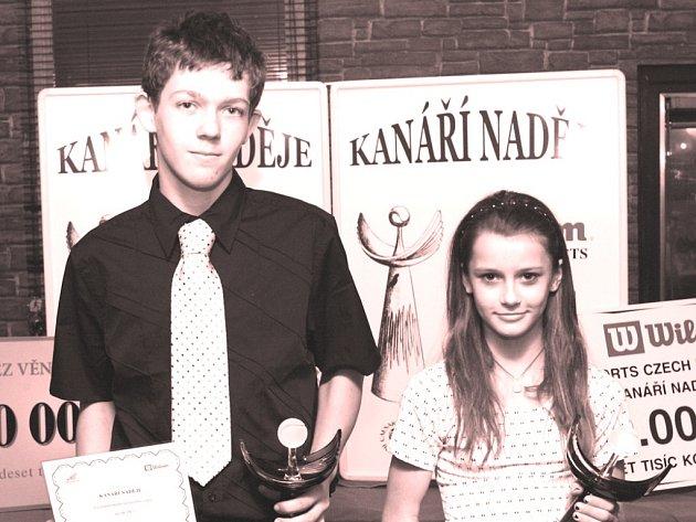 KANÁŘÍ NADĚJE. Prestižní ocenění za rok 2007 získali ve Vč. oblasti tenisté Petr Makrlík a Kateřina Vlčková.