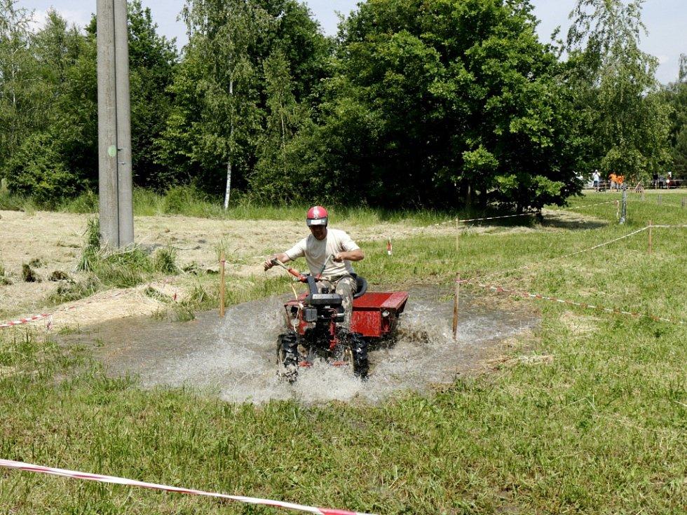 Terra Cup - klání traktorů ve Výravě.