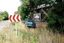 Havárie osobního automobilu v Chlumci nad Cidlinou.