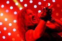 Lídr skupiny Kabát, Josef Vojtek, na Rock for People 2008 v Hradci