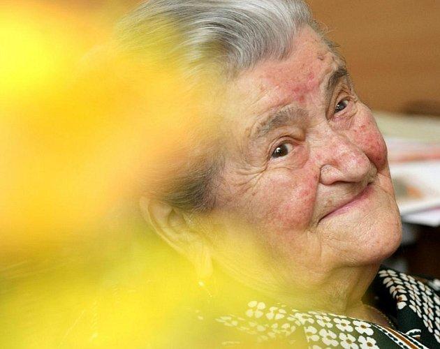 Stoletá dáma Růžena Karpíšková.