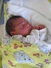 MARTIN ŠMÁKAL se narodil 24. října v 17.37 hodin. Měřil 50 cm a vážil 3980 g. Velkou radost udělal rodičům Petře Poslušné a Pavlu Šmákalovi z Blešna. Doma se těší bráška Michal.