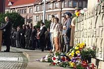 Projev primátora města Zdeňka Finka na Masarykově náměstí v Hradci Králové.