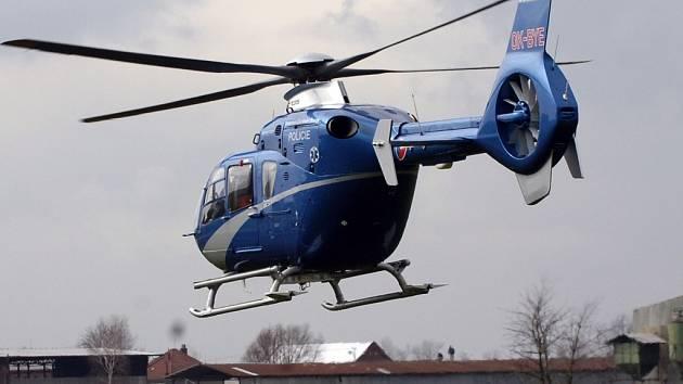 Vrtulník hradecké záchranky