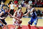 Basketbal žen: Hradecké Lvice x BK CCA Strakonice  - Horáková Eva.