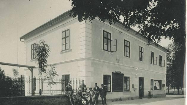 Jak jsme žili v Československu: Lužec nad Cidlinou.