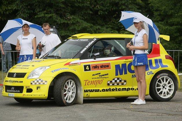 Rally show na Všesportovním stadionu v Malšovicích.